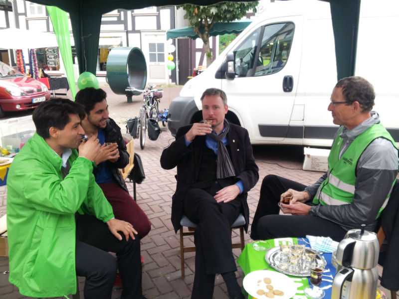 Dirk Weissleder zum Tee bei den Grünen in Barsinghausen