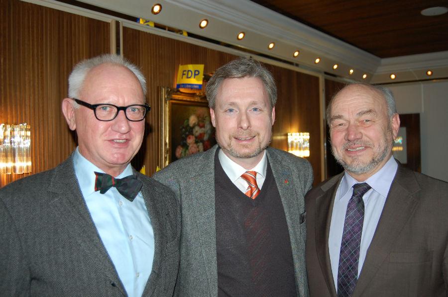 v.l.n.: Dr. Bernhard Behrends, Dirk Weissleder und Gerhard Kier