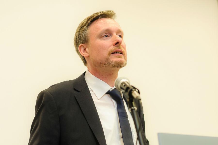 Dirk Weissleder bei seiner Vorstellungsrede (Foto: Stefan Simonsen, www.simonsenphoto.com)