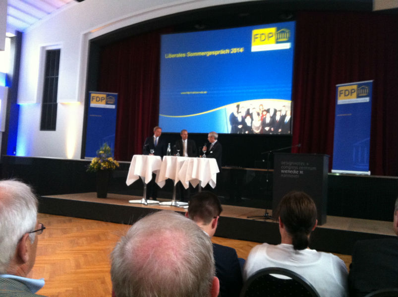 v.l.n.r.: Christian Lindner, Henning Krumrey und Michael Vassiliadis