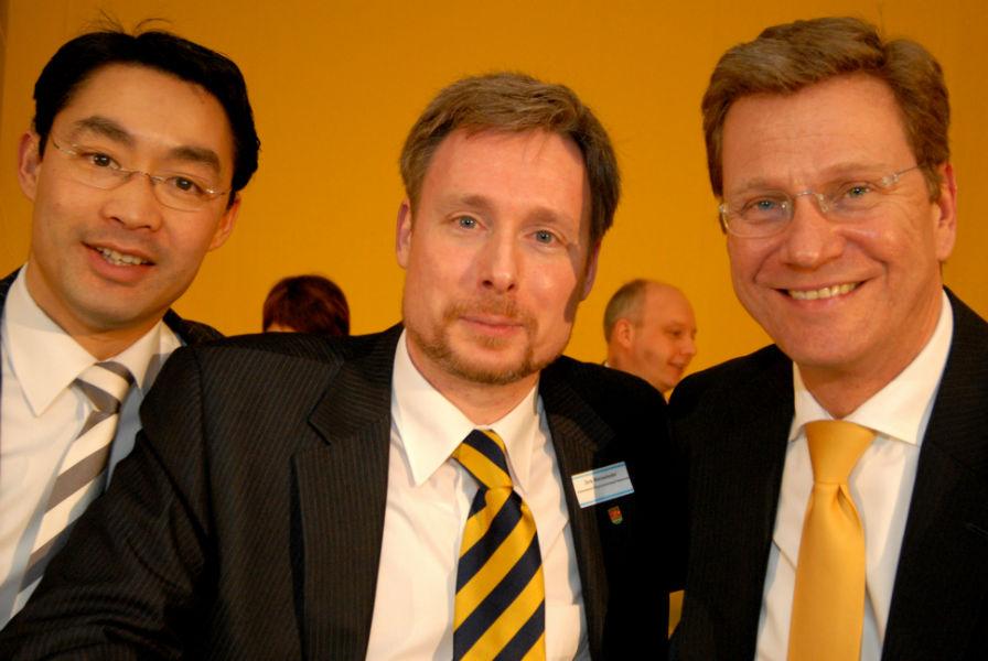 FDP Vertreterversammlung am 14.02.2009 in Laatzen, v.l.: Philipp Rösler, Dirk Weissleder, Guido Westerwelle (Foto: Daniel Junker)