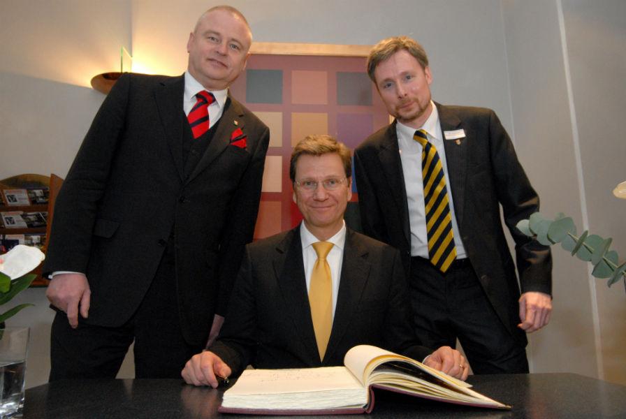 FDP Vertreterversammlung am 14.02.2009 in Laatzen, v.l.: Thomas Prinz, Guido Westerwelle, Dirk Weissleder (Foto: Daniel Junker)